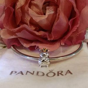Pandora Queen Bee Retired Charm           790227